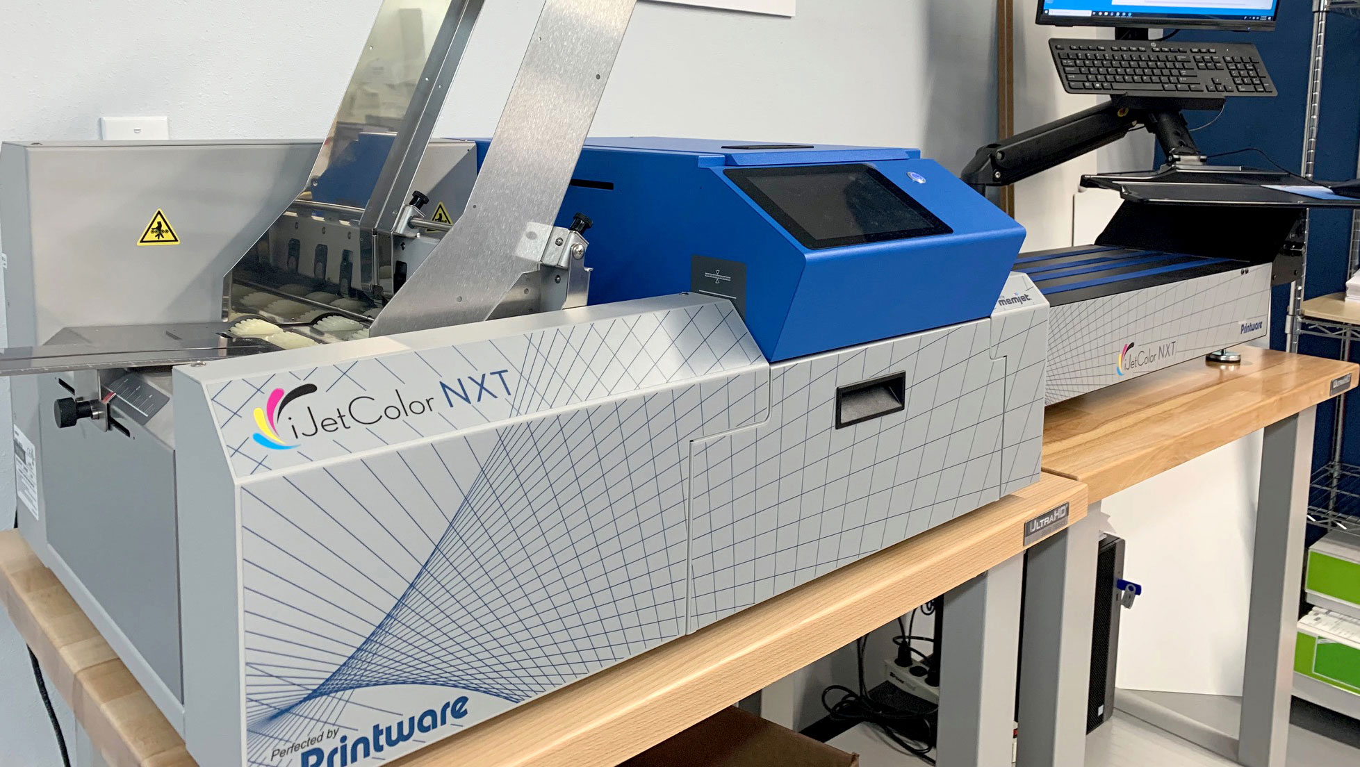 Panoramic Press offers inkjet envelope printing